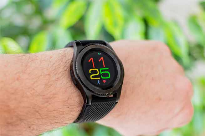 How Smartwatch Makes your Life Easier